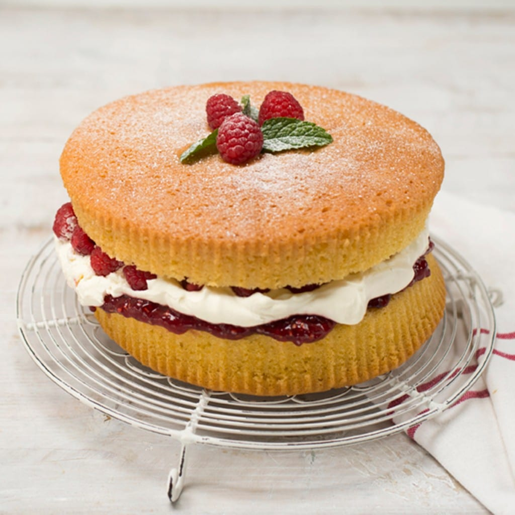 All in one victoria sponge made with rapeseed oil