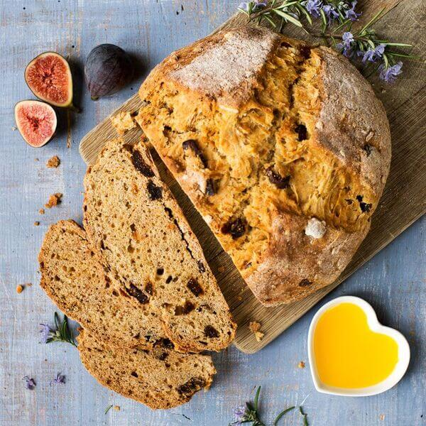 Fig soda bread